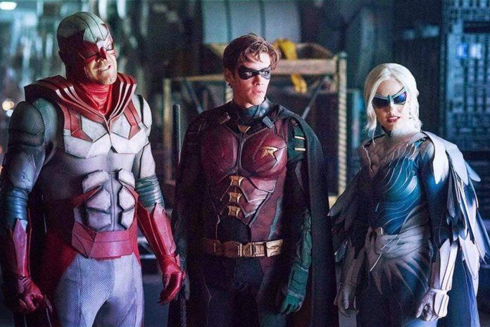 1608831868 Titans Season 3 Images Reveal Starfires Proper Superhero Costume