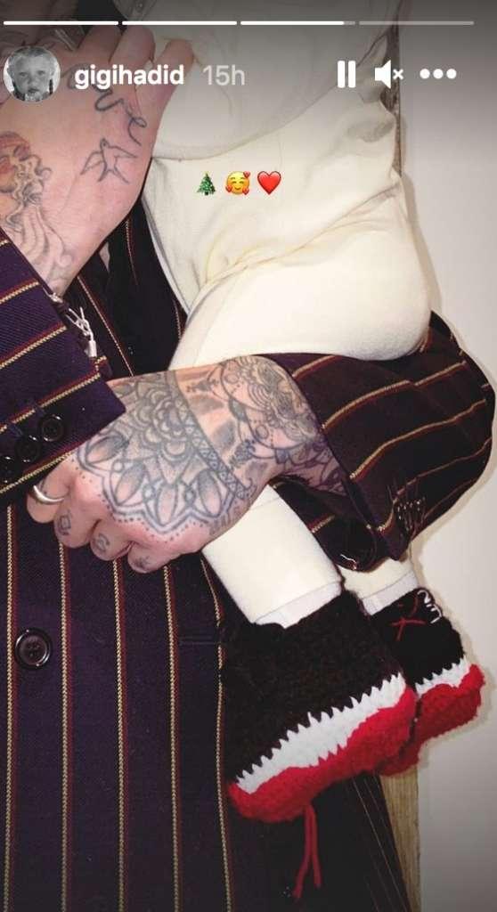 Gigi Hadid Posts Adorable Pic Of Zayn Malik Holding Their