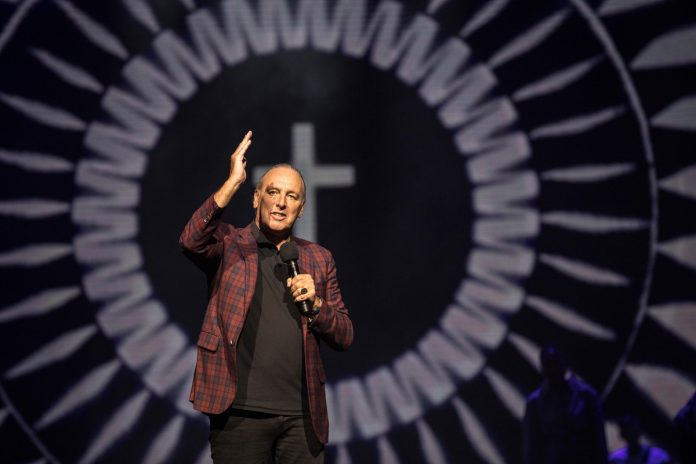 Hillsong slammed for mentioning pervs — but not Jesus — in Christmas email