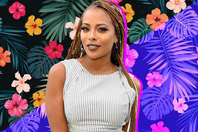 Eva Marcille Proudly Shares A Photo Of Kenya Moore Who Is Rocking Her Jaded Necklace