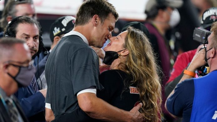 Gisele Bundchen And Tom Brady – Here's How She Feels About Him Not Retiring!