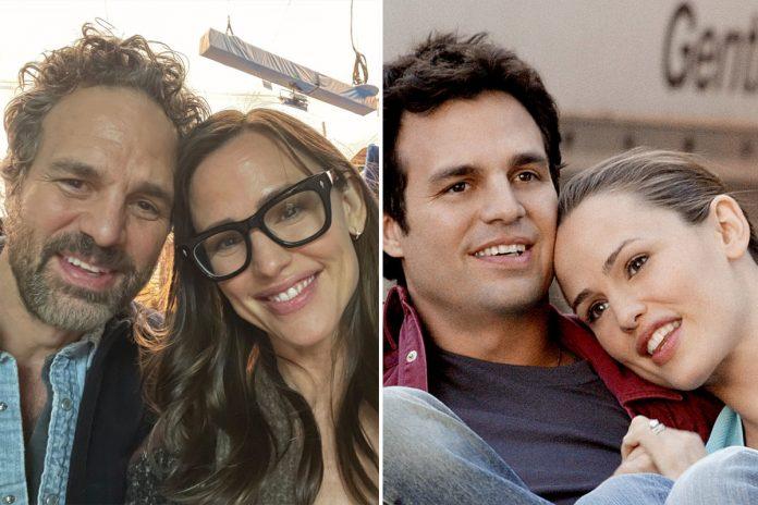 Jennifer Garner and Mark Ruffalo have '13 Going on 30' reunion