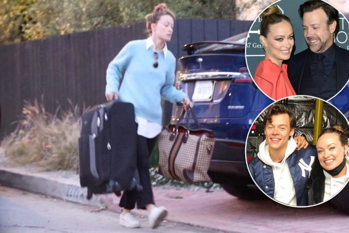 Olivia Wilde moves bags from Jason Sudeikis' home to Harry Styles' place