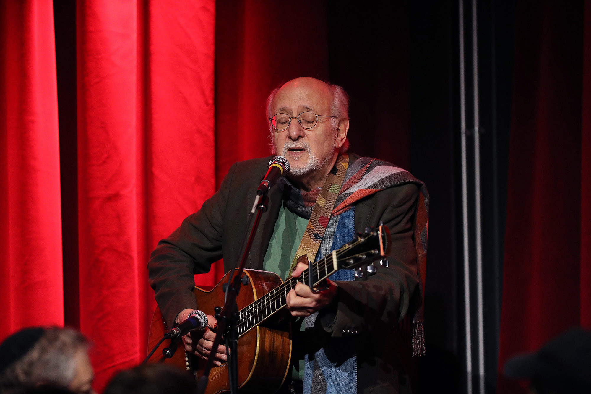 Peter Yarrow accused of raping underage girl in NYC in