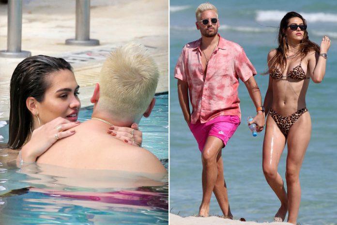 Scott Disick enjoys beach date with bikini-clad Amelia Hamlin